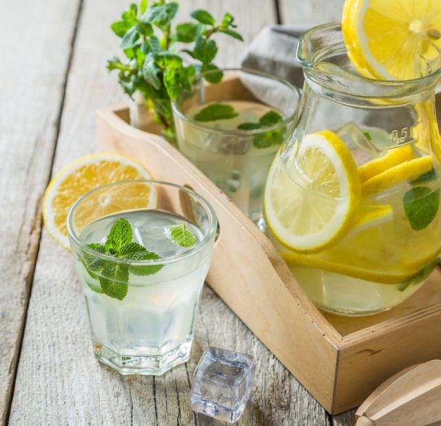 Самогон на мяте с лимоном